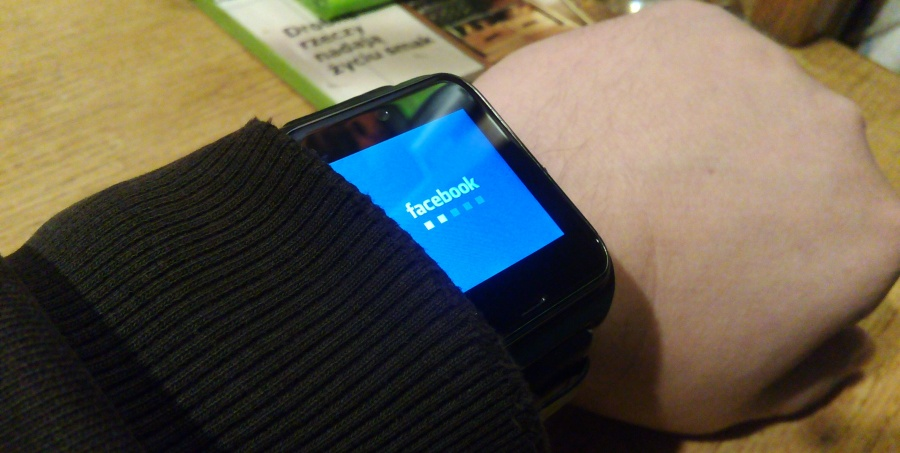Facebook w zegarku