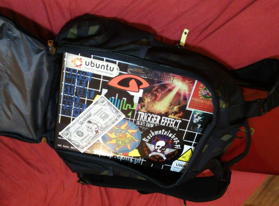 Laptop w plecaku