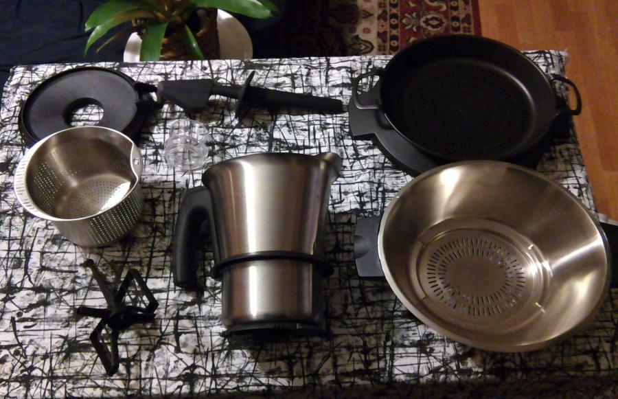 Z czego składa się robot kuchenny Kohersen Mycook 8001