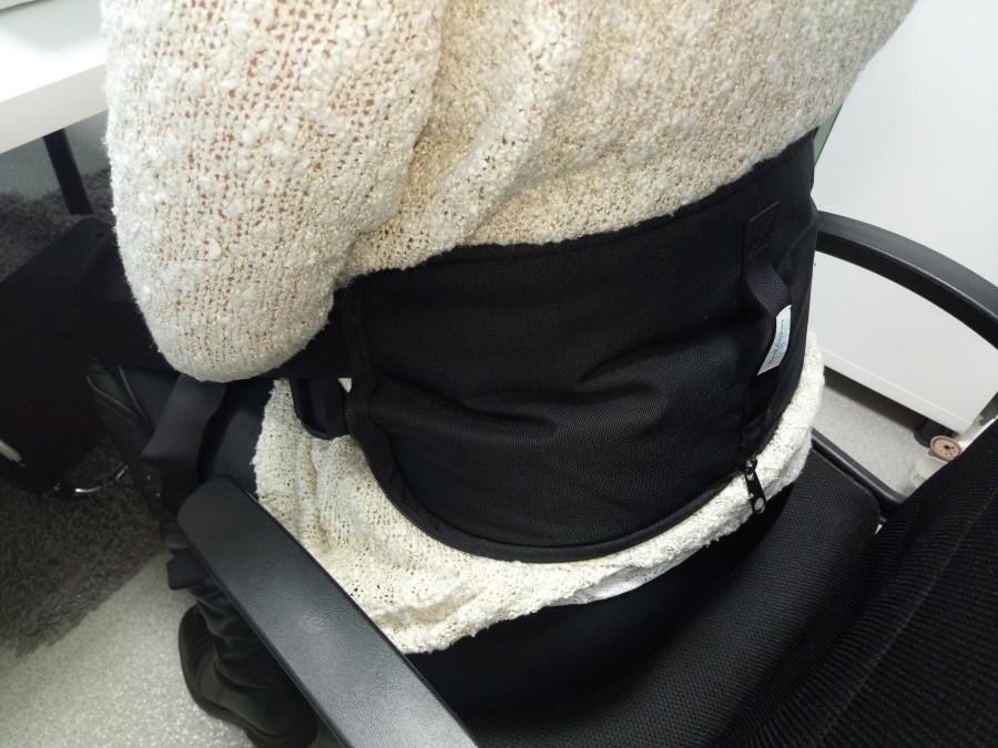 Postawa kręgosłupa podczas siedzenia