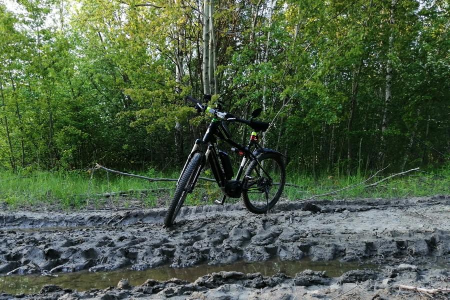Rower po błocie